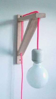 Simple light idea :) awesome idea for just about anything: minimalist, man cave, garage/den, industrial decor, etc. Industrial Decor, Diy Furniture, Lamp, Diy Decor, Home Deco, Wood Diy, Simple Lighting, Diy Lamp, Interior Deco