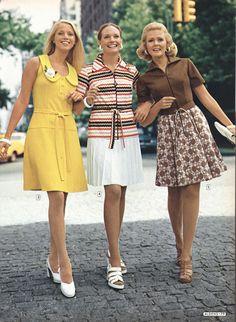 Best Women S Fashion Backpack 1974 Fashion, 70s Women Fashion, Decades Fashion, 60s And 70s Fashion, Seventies Fashion, Fashion History, Retro Fashion, Vintage Fashion, Retro Mode