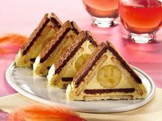 Visit the post for more. Romanian Desserts, Romanian Food, Top Recipes, Sweet Recipes, Cooking Recipes, Food Humor, Banana, Creative Food, Cakes And More