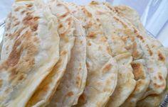 Recept Afghaanse bolani met prei: Bolani is een Afghaans gerecht bestaande uit een ongerezen, (vaak) vegetarisch gevulde gebakken platbrood. Ontzettend lekker en je eet met gemak méér dan je zou moeten. Gevuld met prei is mijn lievelingsvariant. Ps. je moet echt zoveel mogelijk mensen leren kennen uit verschillende (culturele)[...]