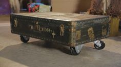 DIY trunk into a coffee table using CASTERS!!! so easy! {junk gypsy co}