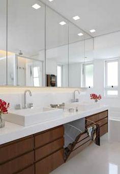 klassische Badezimmer von Lore Arquitetura