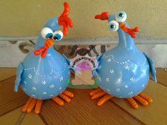 Billedresultat for cabaças decoradas Paper Mache Projects, Paper Mache Crafts, Polymer Clay Crafts, Clay Projects, Decorative Gourds, Hand Painted Gourds, Chicken Crafts, Chicken Art, Farm Crafts
