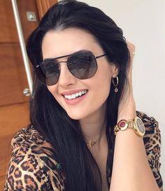 8d6005fae2785 Aquele óculos de sol preto básico que destaca qualquer beleza! Amamos   oticaswanny  lihhbezerra
