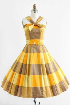 Vintage Dresses vintage Yellow and Orange Polished Cotton Sundress - Vintage 1950s Dresses, Vintage Wear, Looks Vintage, Retro Dress, Vintage Outfits, Vintage Clothing, Vintage Style, Vintage Party, Vintage Yellow