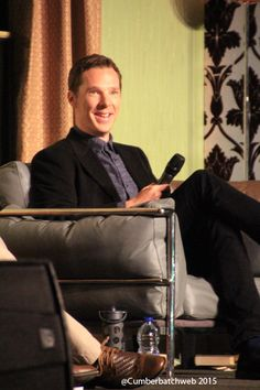 SHERLOCKED: THE OFFICIAL SHERLOCK CONVENTION (April 25, 2015) ~ Photo: Benedict Cumberbatch, Sherlock Holmes in SHERLOCK (BBC), speaks at the convention in London.