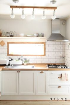 전용뷰어 : 네이버 블로그 Kitchen Interior, Room Interior, Home Interior Design, Interior Styling, Korean Kitchen, Japanese Kitchen, Korean Apartment Interior, Kitchen Dining, Kitchen Cabinets