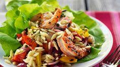 Nudelsalat mit Gemüse und Garnelen