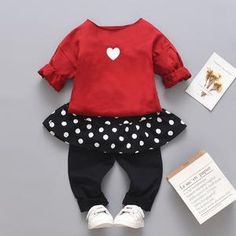 Show off your cute little princess with this cute leisure spring outfit for the coming seasons. Girls Summer Outfits, Toddler Girl Outfits, Baby & Toddler Clothing, Summer Girls, Boy Outfits, Toddler Girls, Valentines Outfits, I Love Makeup, Red Fashion
