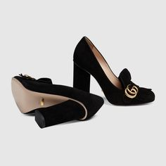 Discover the Gucci collection of women's pumps. Shop the latest range of heeled pumps featuring leather, satin and velvet mid-heel pumps, and platform shoes. Dream Shoes, Crazy Shoes, Suede Pumps, Women's Pumps, Cute Shoes, Me Too Shoes, Suede Leather Shoes, Black Suede, Black Pumps