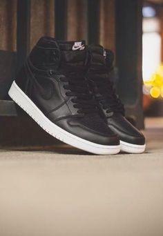 Nike Air Jordan 1 'Cyber Monday'