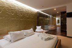 This is the epic bedroom Afrodite MTL- Motel in Portugal