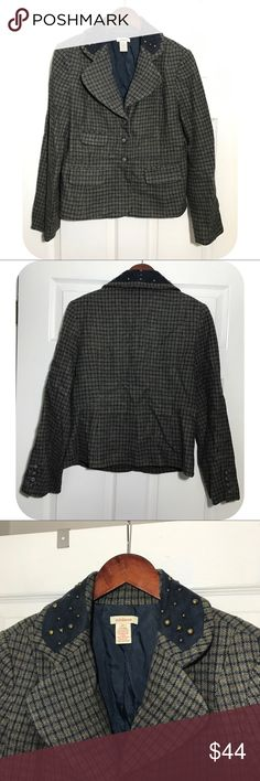 """Sundance Tweed Suede Blazer VGUC - lined - wool blend - Sueded collar with embellishment - measurements 25"""" length -19"""" pit to pit - 23""""'sleeve Sundance Jackets & Coats Blazers"""