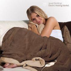 Halte au froid ! Camelove Boutique vous présente l'une de ses nouveautés préférées : la fantastique couverture polaire chauffante Electric Heating Blanket (160 x 120 cm) !  http://camelove.eu/shop/index.php?id_product=390&controller=product&live_configurator_token=e53046dfe11bfe39df6194562a9e56bf&id_shop=1&id_employee=2&theme=theme5&theme_font=font4
