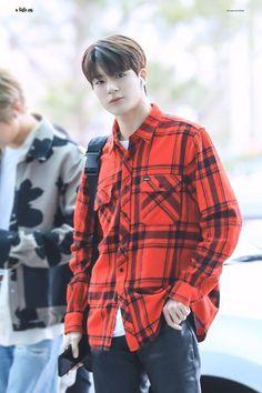 Winwin, Taeyong, K Pop, Hip Hop, Jeno Nct, Jung Jaehyun, Na Jaemin, Airport Style, Airport Fashion