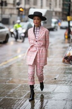 LONDON, ENGLAND - FEBRUARY A guest is seen wearing hat, pink plaid jacket and pants outside Pringle of Scotland during London Fashion Week February 2019 on February 2019 in London, England. (Photo by Christian Vierig/Getty Images) Plaid Fashion, Suit Fashion, Fashion Edgy, Fashion Hats, Fashion Top, Fashion Outfits, High Fashion, Fashion Accessories, Womens Fashion