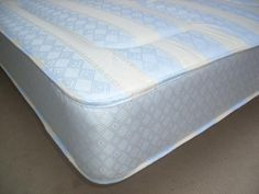 """3ft X 5ft3 Shorty Mattress - £149.95 - A deep, substantial and well padded mattress which is popular for customers who have short bunks who are not satisfied with the usual poor quality thin budget mattresses supplied with short bunks by the vast majority of bed retailers (sad but true).  Approx 8.5"""" (22cm) deep. A great medium tension/feel mattress suitable for any type of base.   A great alternative other lower quality mattresses out there on the market and this one comes with a stylish… Ottoman Storage Bed, Bed Mattress, Mattresses, Bed Frame, Damask, Free Delivery, Beds, Bedding"""