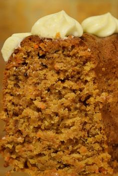 Carrot cake!! - Evicita.gr Carrot Cake, Banana Bread, Macaroni And Cheese, Carrots, Ethnic Recipes, Desserts, Food, Tailgate Desserts, Mac And Cheese