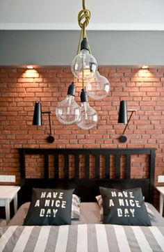 Post: Detalles en mint y negro --> blog decoración nórdica, color mint y detalles retro, decoración de interiores, decoración mint, decoración nórdica, Detalles en mint y negro, electrodomésticos mint de Smeg New York Bedroom, Brick Cladding, Cabinet D Architecture, Heating And Plumbing, Brick Accent Walls, Deco Luminaire, Iron Furniture, Nordic Home, Luxurious Bedrooms