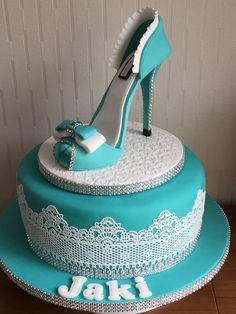 30th Birthday Cake For Women, New Birthday Cake, Adult Birthday Cakes, Birthday Woman, Birthday Cupcakes, Shoe Box Cake, Shoe Cakes, High Heel Kuchen, Beautiful Cakes