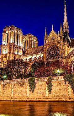 "If the Trip Eiffel is the sign of Paris, the Cathédrale de Notre-Dame de Paris is its heart. Sitting on the banks of the Seine, this splendid architectural masterpiece is a guaranteed ""must-see"". Beautiful Paris, Beautiful World, Paris Travel, France Travel, France Photography, Travel Photography, Paris France, Famous Places, Monuments"