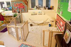 Indoor sandpit - no water play like outside but does eliminate concerns about creepy crawlies, mould and soiling by pets. Line floor with pale-coloured sturdy plastic stretched across floor. Preschool Rooms, Daycare Rooms, Nursery Activities, Home Daycare, Preschool Classroom, Toddler Activities, Childcare Rooms, Daycare Design, Classroom Design