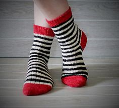 Wicked Simple Socks by Ashley McCauley - free