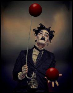 """""""CHARLOT AND THE RED BALLS"""" - de Raúl Villalba - Argentina - Domingo 14-08- Tema: LIBRE - (7 MG)"""