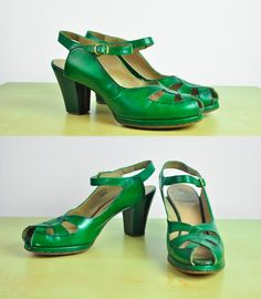 Vintage 1940s emerald green peep toe heels
