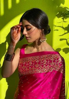 Dress Indian Style, Indian Dresses, Indian Wedding Outfits, Indian Outfits, Stylish Sarees, Trendy Sarees, Sari Dress, Saree Trends, Saree Look