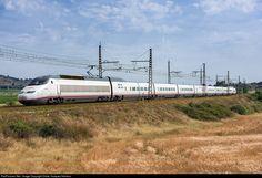 RailPictures.Net Photo: 121 Renfe 100 at Nissan-lez-Enserune, France by Didac Vazquez Herrera