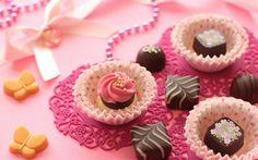 Erstaunliche kostenlose Schokolade HD Wallpapers TechLovers l Web Design 1672 × 845 Chocolat . Web Design, Mini Cupcakes, Hd Wallpaper, Wallpapers, Candy, Amazing, Desserts, Free, Chocolate Chocolate
