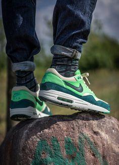 On Sale Nike Lunar Hyperudnk 2012 X Low Nike Poison Green Blacke