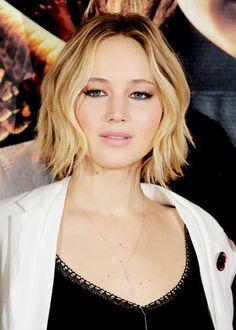 Jennifer Lawrence Hot, Maxi Coat, Golden Globe Award, Black Maxi, Best Actress, Classic Beauty, Most Beautiful Women, American Actress