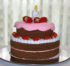 Cake---NO pattern.just an inspiration Crochet Cake, Crochet Amigurumi, Crochet Food, Crochet Crafts, Crochet Dolls, Yarn Crafts, Crochet Projects, Knit Crochet, Japanese Crochet