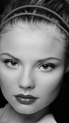 Such a beautiful face  - ♀ www.pinterest.com/WhoLoves/Beautiful-Faces ♀ #beautiful #faces