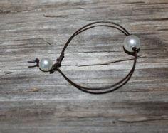 Cuoio e braccialetto di perle perle di saggezza di AdiDesigns
