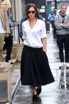 Victoria Beckham Off Duty Style File - Image 38