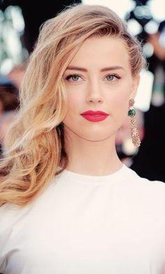 Megan Fox and Amber Heard Edits: Photo Amber Heard Cabelo, Amber Heard Hair, Amber Heard Photos, Blonde Hair With Highlights, Brown Blonde Hair, Ambre Heard, Soft Make-up, Gorgeous Hair, Beautiful