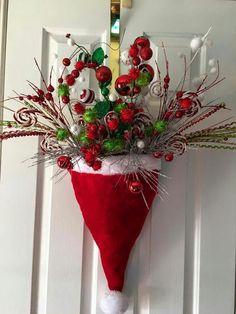 748a8c2a778d2 Mi Fiesta Creativa  Gorros de Santa Claus para decorar la puerta