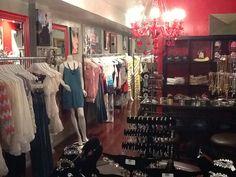 Mai 2012 : inauguration du premier point de vente aux Etats-Unis, à Washington DC Le Point, Mai, Washington Dc, Closet, Life, Home Decor, Point Of Sale, Armoire, Decoration Home