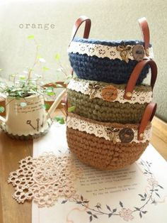 hemp basket for an idea.website is in Japanese. Crochet Bowl, Crochet Eyes, Knit Crochet, Knit Basket, Crochet Baskets, Mochila Crochet, Crochet Decoration, Crochet Kitchen, Crochet Fashion