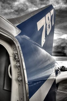 the tail of a boeing 787 dreamliner