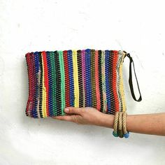 · This small boho chic wristlet bag will carry your essentials in style. Also makes a super stylish stationery or makeup case. Each and every kilim boho bag is a unique one of a kind piece, made of a… Vintage Embroidery, Embroidery Patterns, Diy Bags Purses, Boho Bags, Bag Patterns To Sew, Crochet Purses, Mini Purse, Creations, Weaving