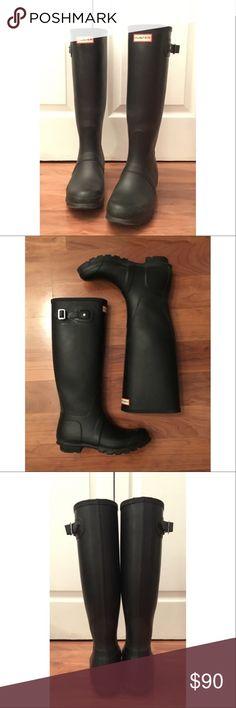 ORIGINAL TALL BLACK HUNTER RAIN BOOTS Only worn twice! Look like new! Hunter Boots Shoes Winter & Rain Boots