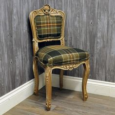 Antique Finish Style Louis Bedroom Chair with Abraham Moon Wool Fabric