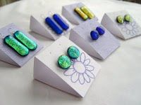 Kathryn Abrahams' Earring card template and instructions.