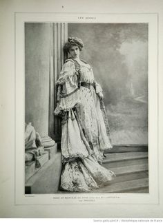 Dress designed by Drecoll 1900's