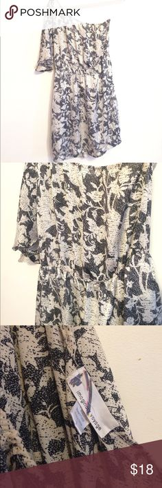 [Imaginary Voyage] One Shoulder Dress Gorgeous black/cream print dress perfect for summer cocktails, dinner or weddings! Flowy sleeve on one side and cinched waist for a flattering fit. Imaginary Voyage Dresses Asymmetrical