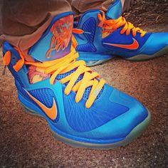 Nike LeBron IX #nike #lebron #lebron9 #igsneakercommunity #wdywt #kotd #wlu #s7 #fresherthanuraverage #sole_nation #solenation #caligotkicks #kicksonfire #nicekicks #uptown2k #smyfh #sneakerhead #shoeporn